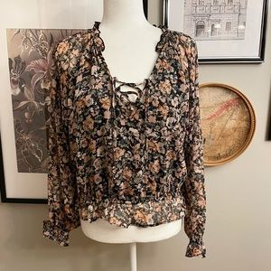 American Eagle Outfitters Floral Long Sleeve Top